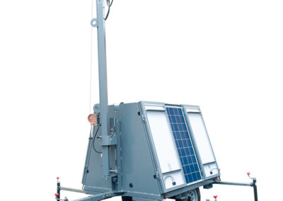 Compact solar light tower