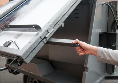 Solar light tower's adjustable panels
