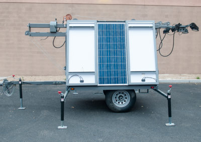 Solar light trailer with foldable solar panels